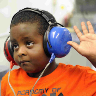 http://nbiaudiologycentre.co.ke/wp-content/uploads/2015/11/audiology-nairobi-hearing-sreening-320x321.jpg